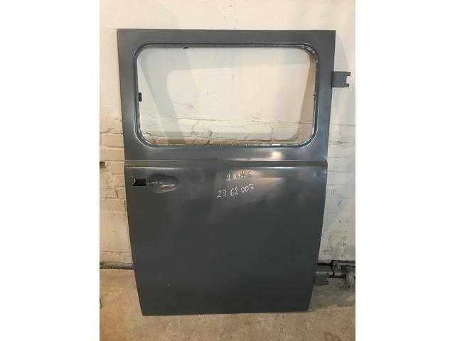 Дверь УАЗ-3741 салона (с оконным проемом)