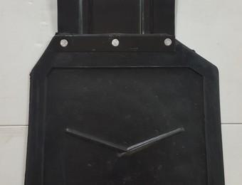 Брызговик УАЗ-469 задний правый в сб с кронштейном